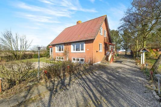 Villa på Tranemarken i Spøttrup - Ejendommen