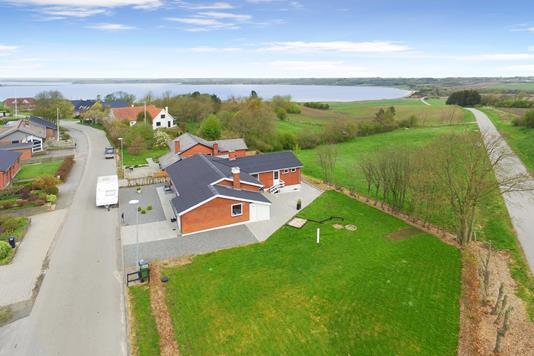 Villa på Neder Hjerkvej i Roslev - Ejendom 1