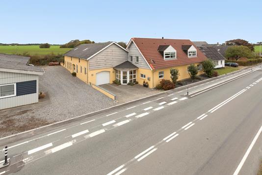 Villa på Amtsvejen i Spøttrup - Facade