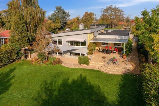 Villa på Bueager i Vedbæk - Set fra haven