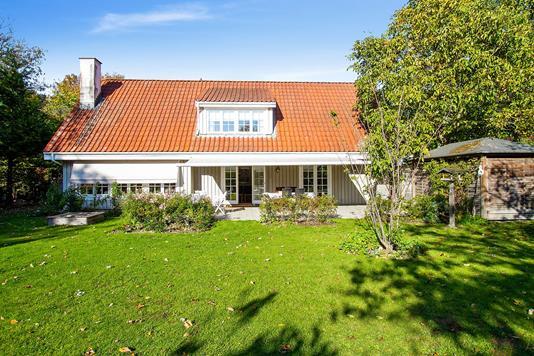 Villa på Vejlesøvej i Holte - Set fra haven