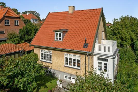 Villa på Malmmosevej i Holte - Ejendommen