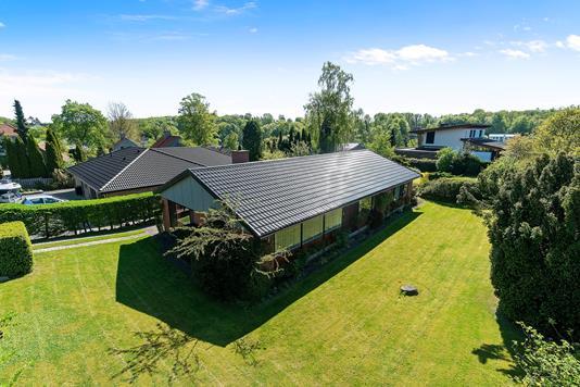 Villa på Øverødvej i Holte - Set fra haven