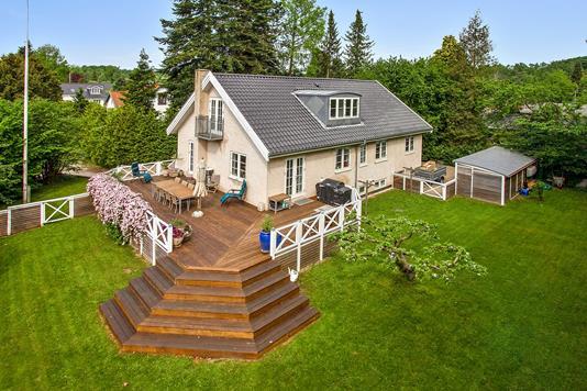 Villa på Norddalsvej i Holte - Ejendommen