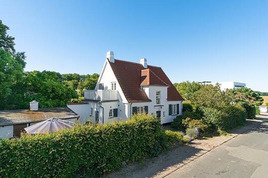 Villa på Højagervej i Skodsborg - Set fra vejen
