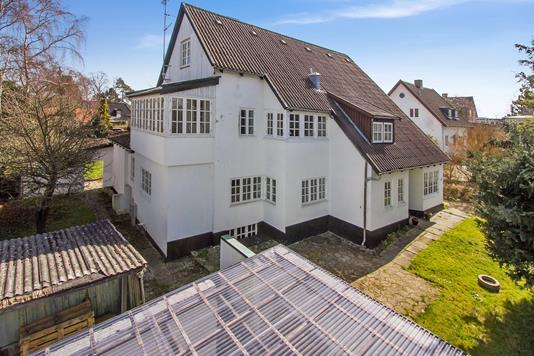 Villa på Parcelvej i Holte - Ejendommen