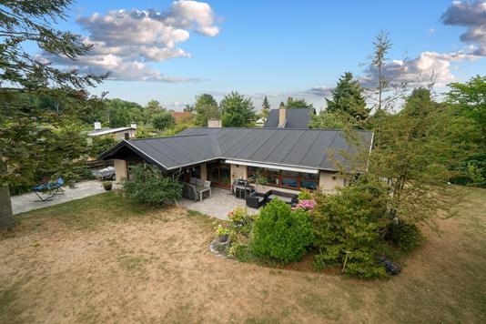 Villa på Egebækvej i Holte - Set fra haven