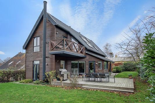 Villa på Skovvej i Humlebæk - Ejendommen