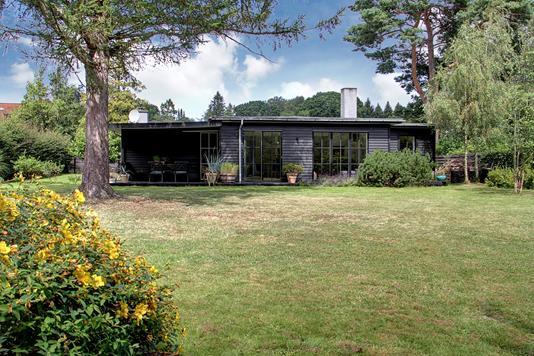 Villa på Birkevænget i Humlebæk - Ejendommen