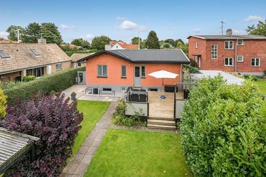 Villa på Humlebæk Strandvej i Humlebæk - Ejendommen