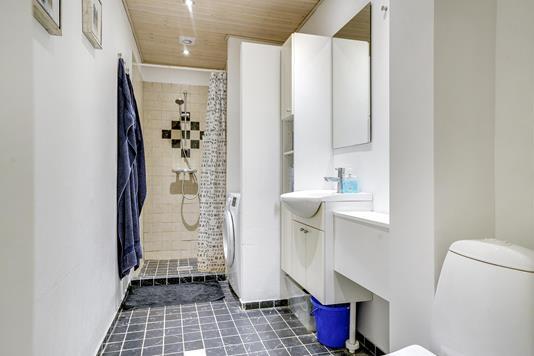 Ejerlejlighed på Teglgårdsvej i Humlebæk - Badeværelse
