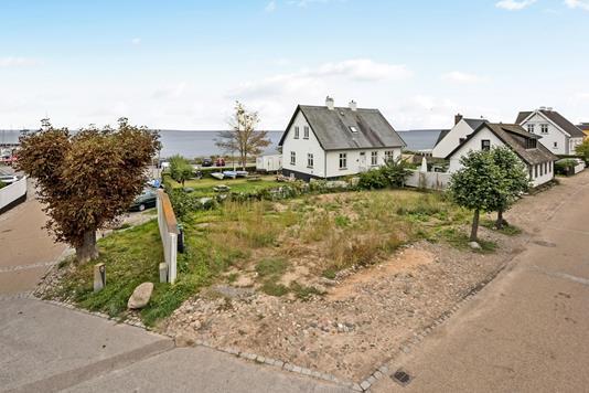 Helårsgrund på Gl Strandvej i Humlebæk - Ejendommen
