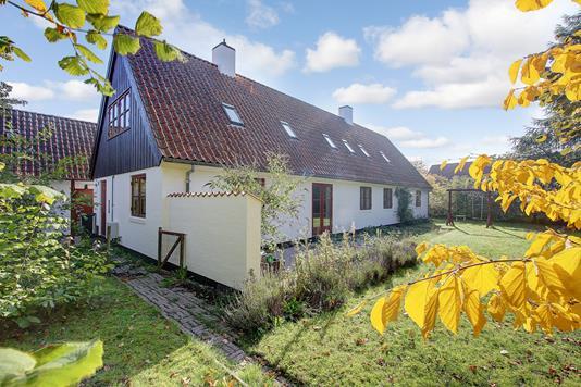 Villa på Bogårdsvej i Humlebæk - Ejendommen