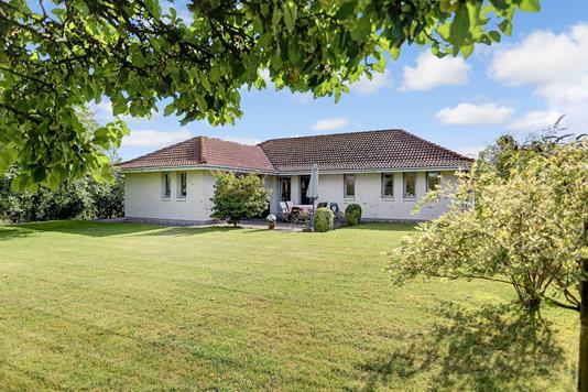 Villa på Langebjergvej i Humlebæk - Ejendommen
