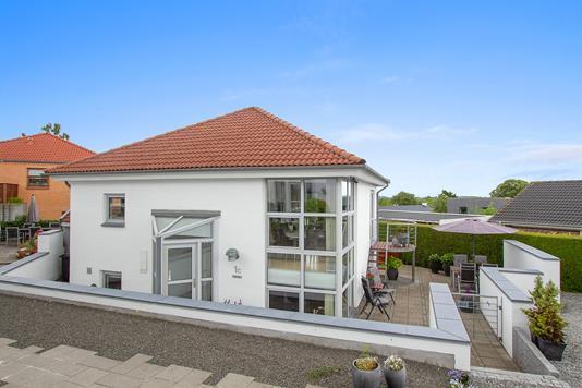 Villa på Solvænget i Skødstrup - Ejendommen