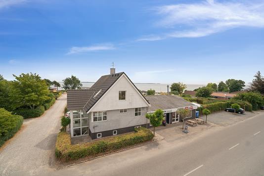 Villa på Havlundsvej i Egå - Ejendommen