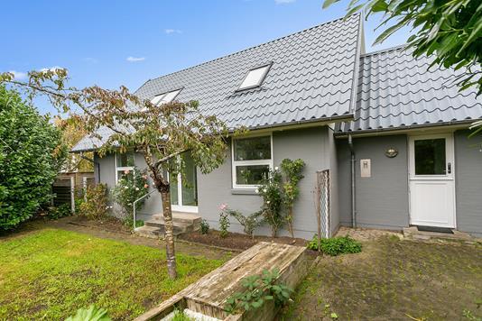 Villa på Mejlbyvej i Egå - Ejendommen