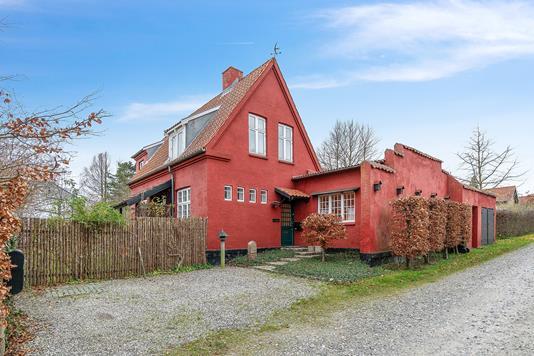 Villa på Vinkelvej i Risskov - Ejendommen