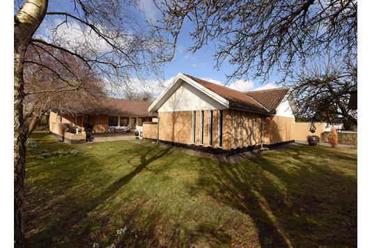 Villa på Åmindevej i Risskov - Set fra haven