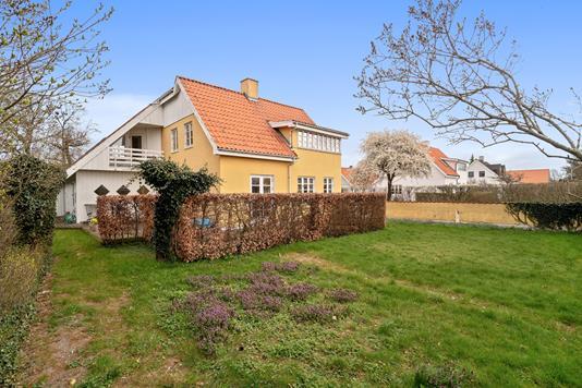 Villa på Myntevej i Risskov - Set fra haven