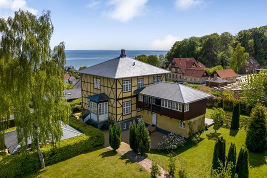 Villa på Skrænten i Risskov - Ejendommen
