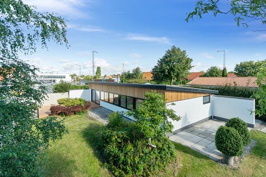 Villa på Tulipanvej i Risskov - Set fra haven