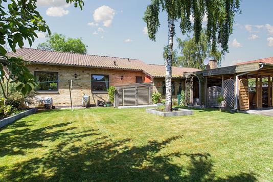 Villa på Lystrupvej i Risskov - Set fra haven