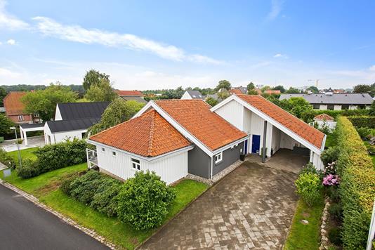 Villa på Mejlvej i Risskov - Ejendommen