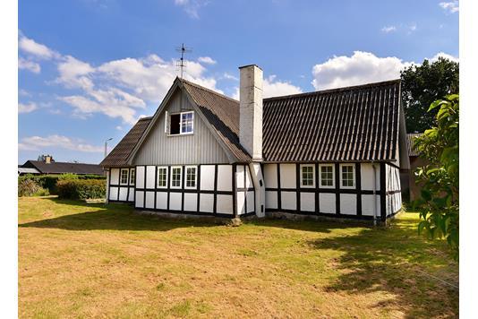 Villa på Studstrupvej i Skødstrup - Ejendommen