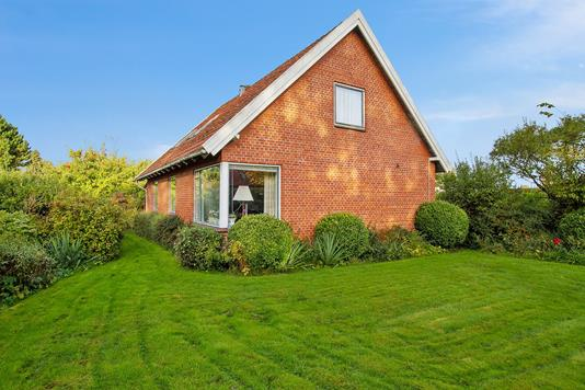 Villa på Nordvangen i Egå - Set fra haven