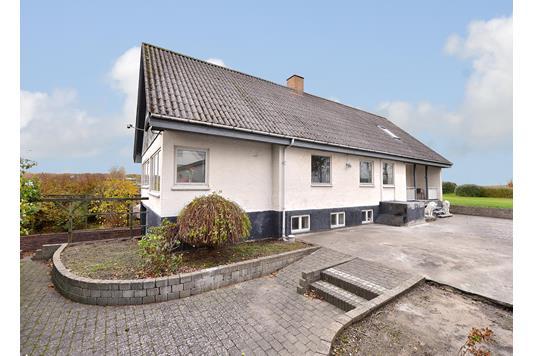 Villa på Pindsmøllevej i Hørning - Facade