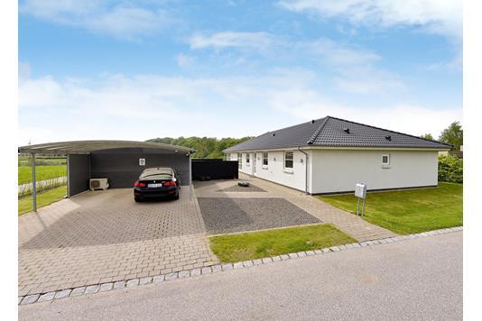 Villa på Vestergårds Alle i Hørning - Andet
