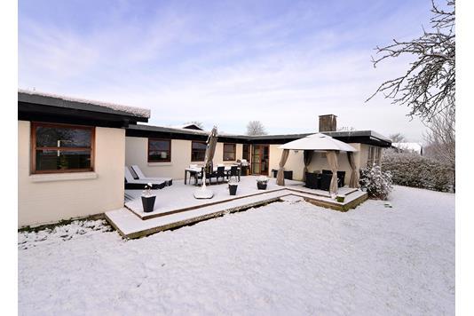 Villa på Rosenvænget i Hørning - Facade