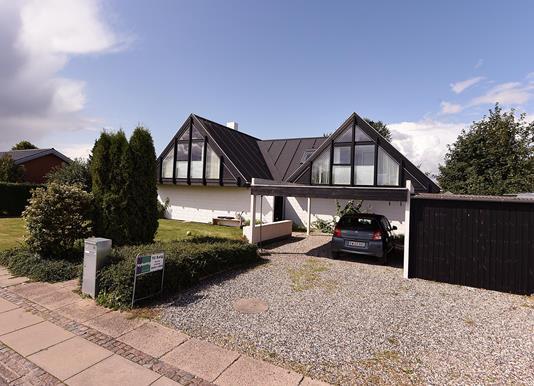 Villa på Nyvangsvej i Hørning - Ejendommen