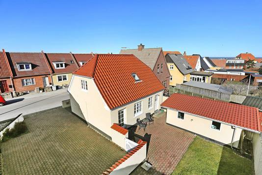 Villa på Mikkelsgade i Hirtshals - Ejendommen