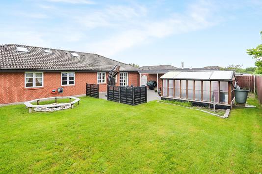 Villa på Kærsti i Hirtshals - Have