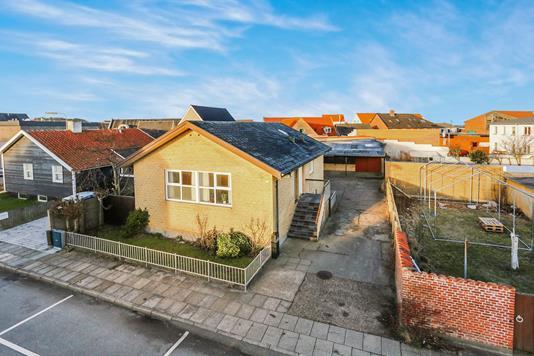 Villa på Sophus Thomsensgade i Hirtshals - Ejendommen