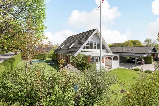 Villa på Spættevej i Bryrup - Ejendommen