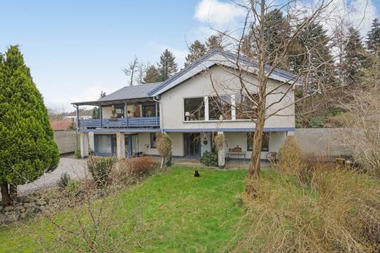Villa på Sportsvej i Bryrup - Ejendommen
