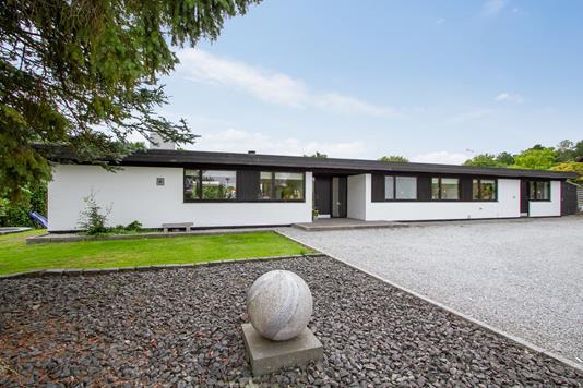 Villa på Asgårdsvej i Silkeborg - Set fra vejen