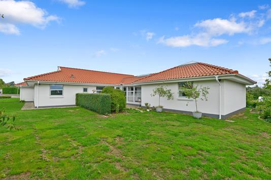Villa på Ligustervej i Them - Ejendom 1