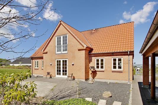 Villa på Buskelundhøjen i Silkeborg - Set fra haven