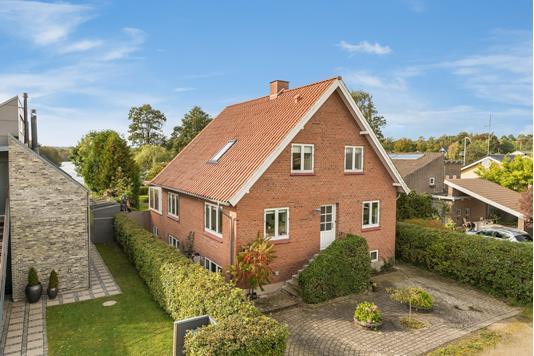 Villa på Thorsøvænget i Silkeborg - Ejendommen
