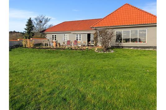 Villa på Hingevej i Lemming - Ejendommen