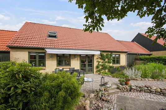 Villa på Byskellet i Slagelse - Set fra haven