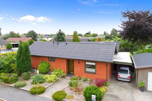 Villa på Kildebakkevej i Slagelse - Set fra vejen