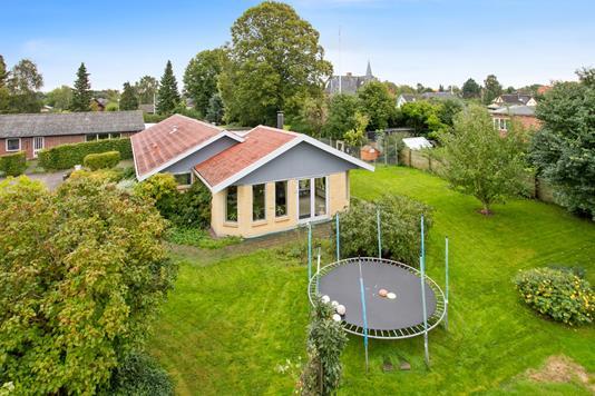 Villa på Norgesvej i Høng - Ejendommen