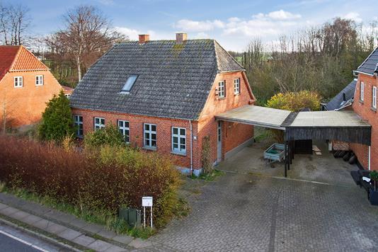 Villa på Helsingevej i Gørlev - Ejendommen