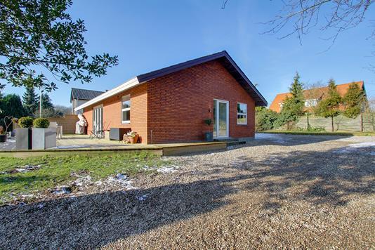 Villa på Tranevej i Høng - Set fra vejen
