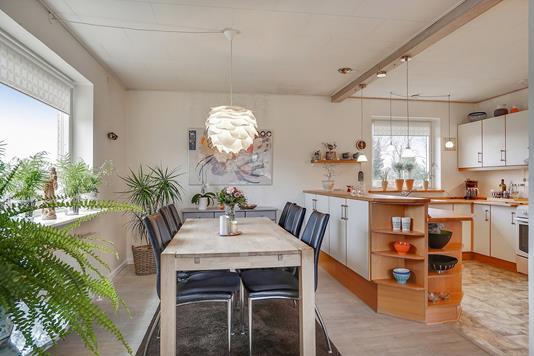 Villa på Snæbumgårdsvej i Høng - Spisestue